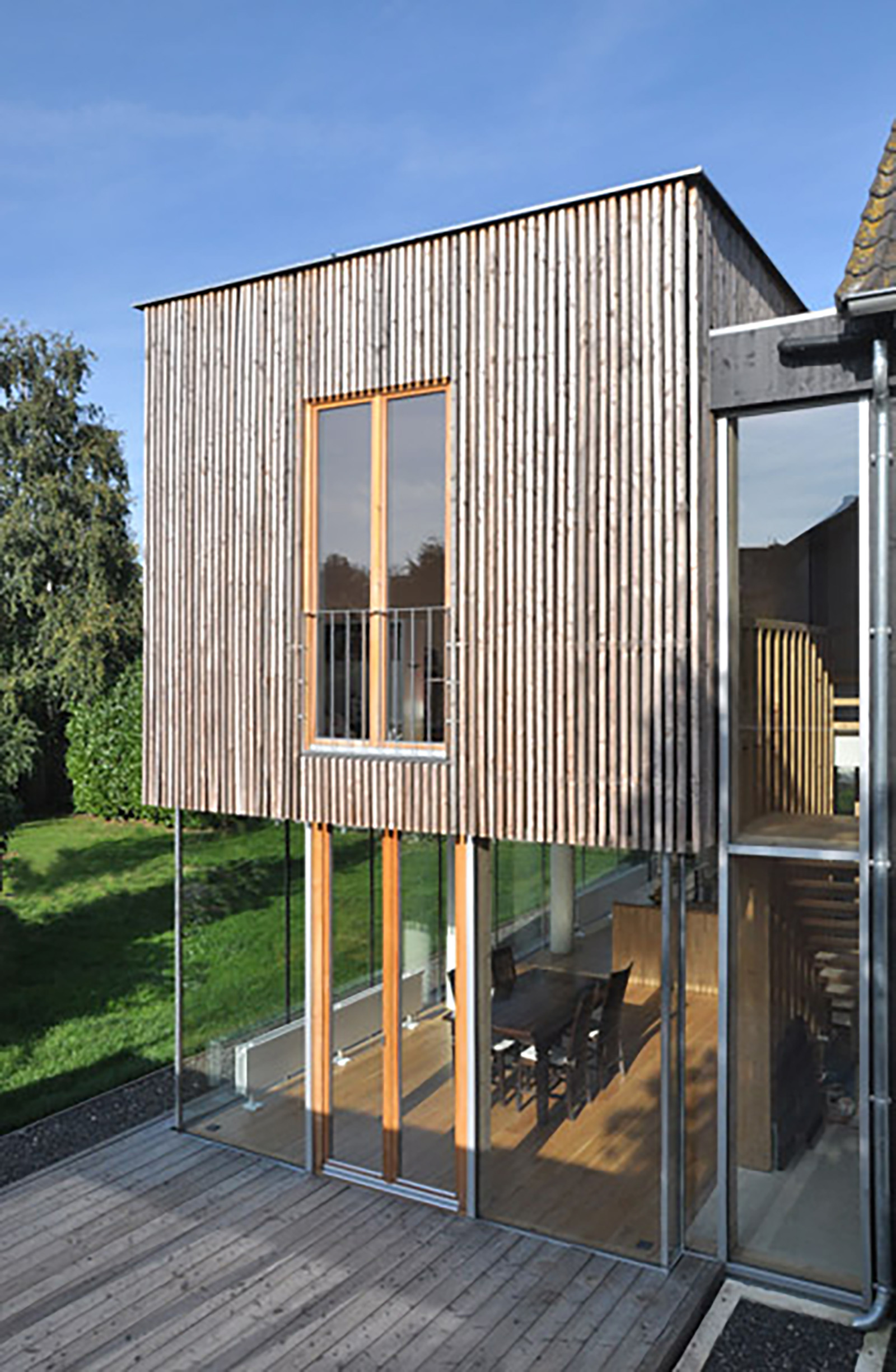 Haus es s aachen richterich holzhueter architektur for Holzkubus haus